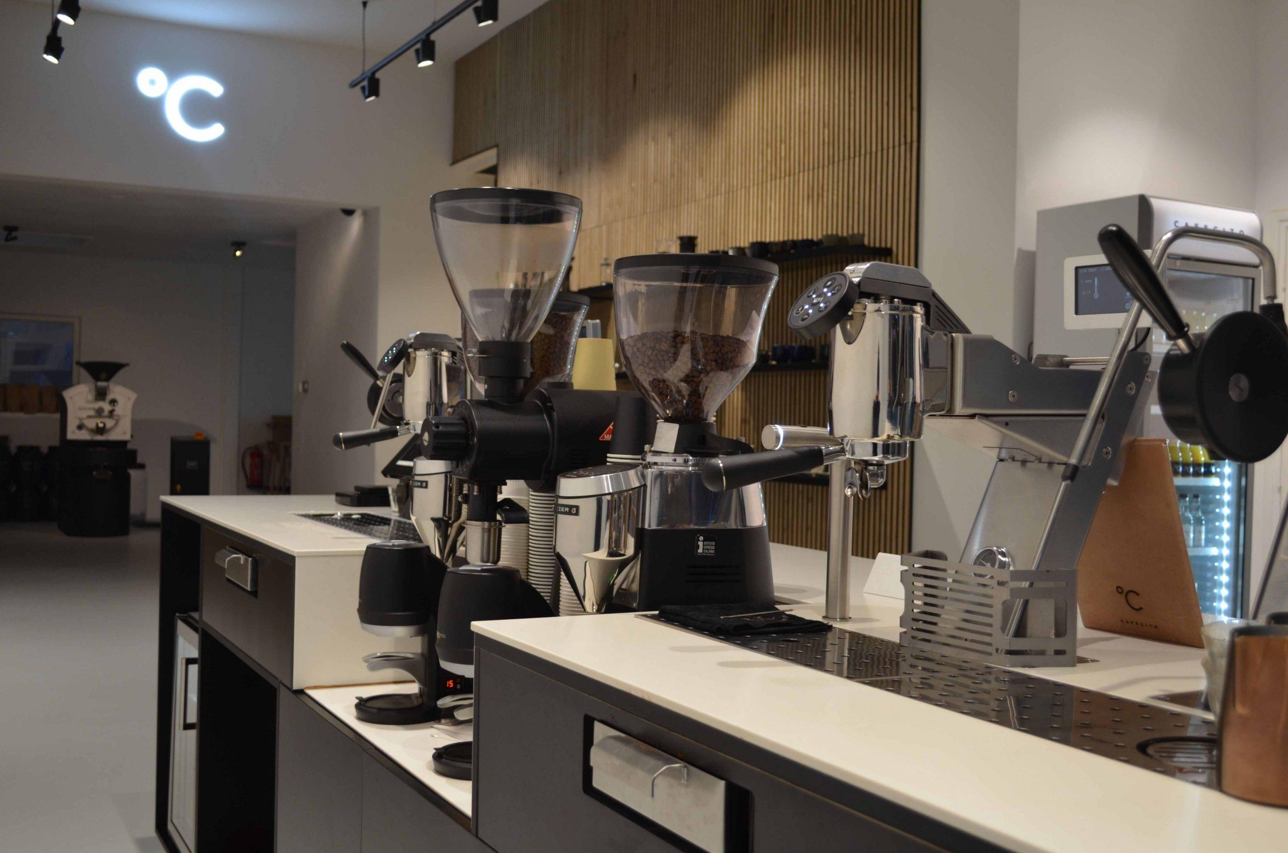 Koffiebar Amsterdam, koffie apparaten met filters